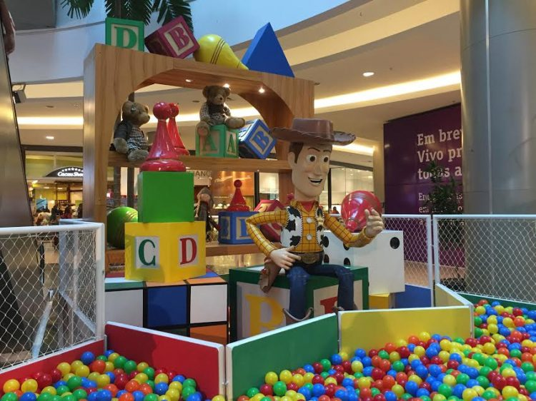 Mar de Bolinhas Toy Story Shopping VillaLobos